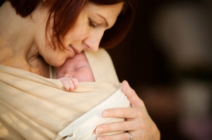 woman-holding-newborn